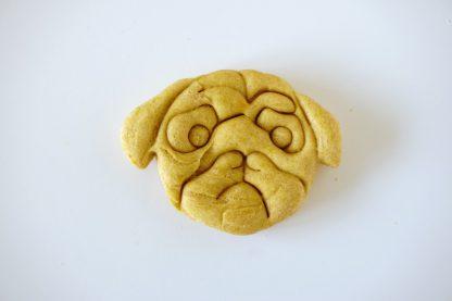 vegane vegetarische hypoallergene Hundesnacks in Hundeform.
