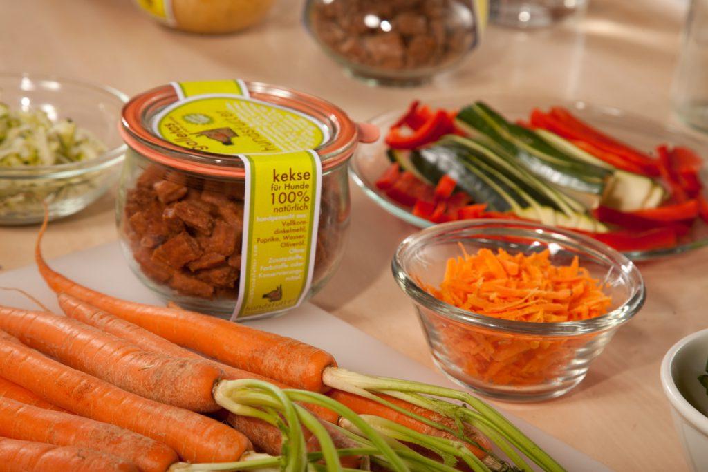 ausgewählte Zutaten aus kontrollierten Betrieben für hundsfutter's vegane hypoallergene natürliche Hundesnacks