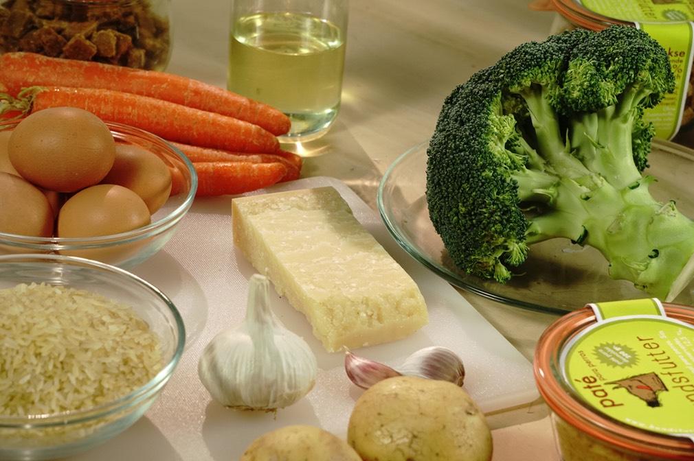 geselecteerde gezonde smakelijke, voorzichtig verwerkte ingrediënten voor onze hondenkoekjes