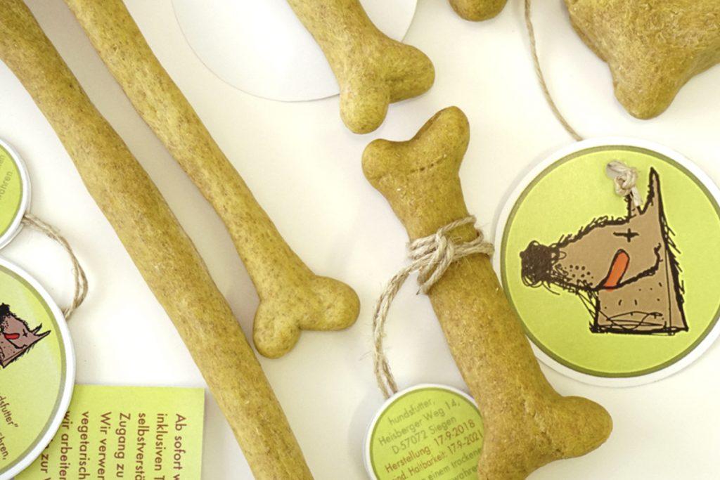 Meine Lieblingssnacks die veganen Kauknochen von hundsfutter sind. #vegane #begetarische #kauknochen #Hunde #Hundekauknochen #Hundsnacks #Kausnacks #für #Hunde