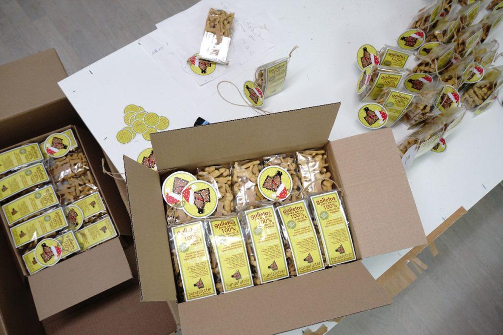 individuelle Bestellungen und Abpackungen von veganen hundesnacks