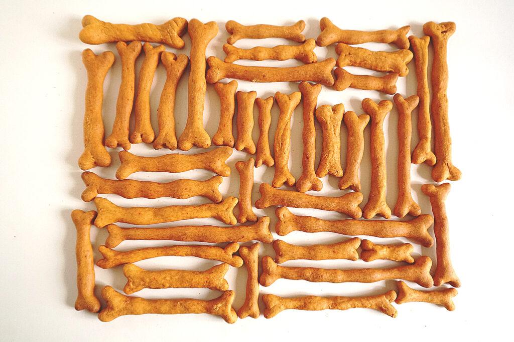 Knapperige hondenkluiven vol met voedingsstoffen - hypoaññergisch, natuurlijk, veganistisch, gezond, heerlijk