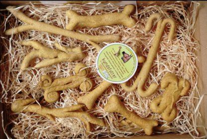 vegane Hundesnacks in Knochen und Geweihform von hundsfutter
