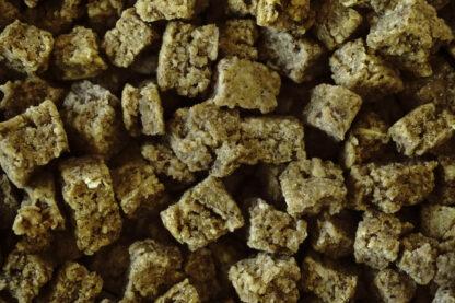 veganer Hundesnack mit Brokkoli gekeimten Linsen